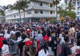 Miami Beach crowds of spring breakers