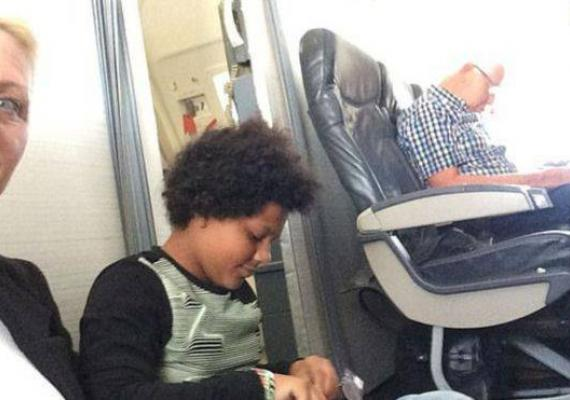 TUI Airways Offered Passengers with No Seats to Sit on the Floor