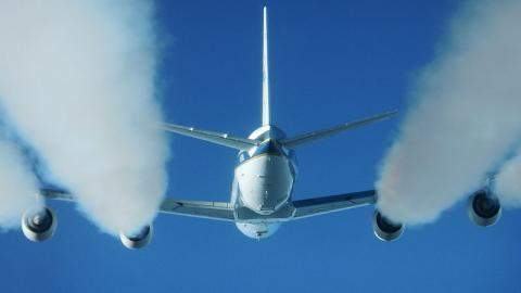 UN Signs Landmark Framework to Curb Aviation Emissions