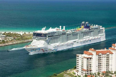 cruises ships in Antigua and Barbuda